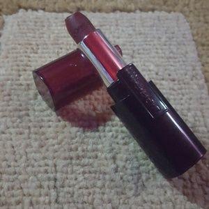 *NWT* L'oreal Paris 10 hour lipstick